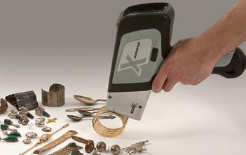 DELTA handheld XRF screens precious metals