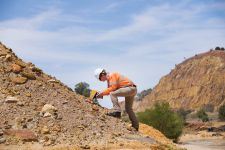 5 XRF Accessories for Your Mining and Geochemical Analysis Field Kit