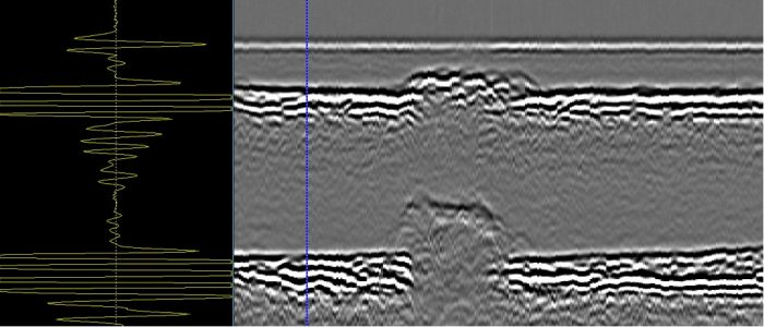 Scan of weld with cursor positioned at area of no corrosion, A-scan showing good lateral wave and backwall signal with no indications in between